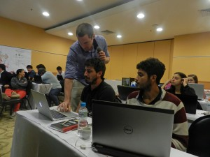 Nicholas Barnett-Moore helping a student with GPlates at the Gondwana Map Project workshop in Rio de Janeiro
